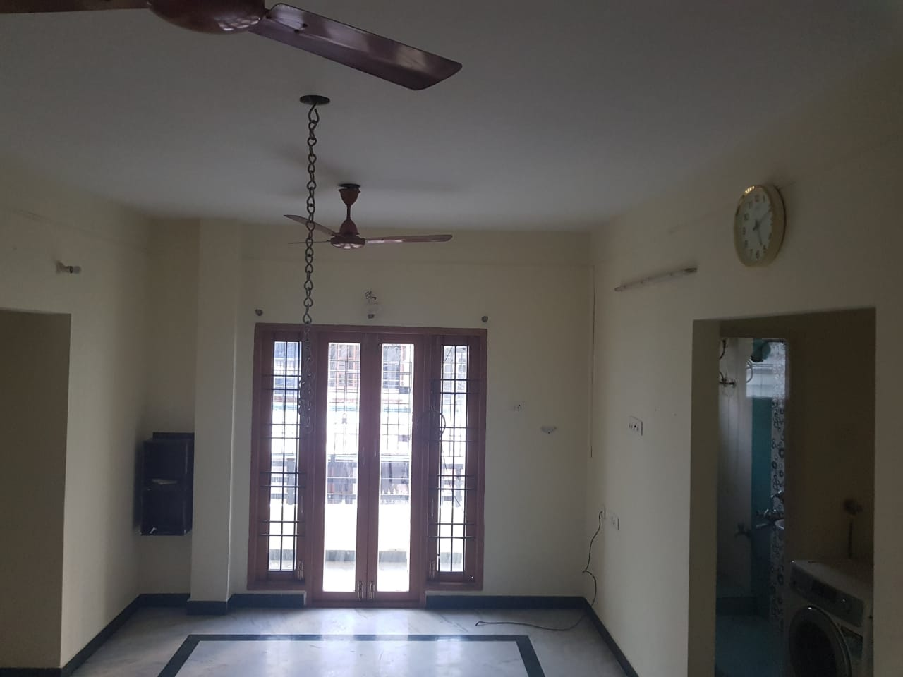 2BHK semifurnished flat for rent at velachery.Very near to Velachery Tambaram main road.