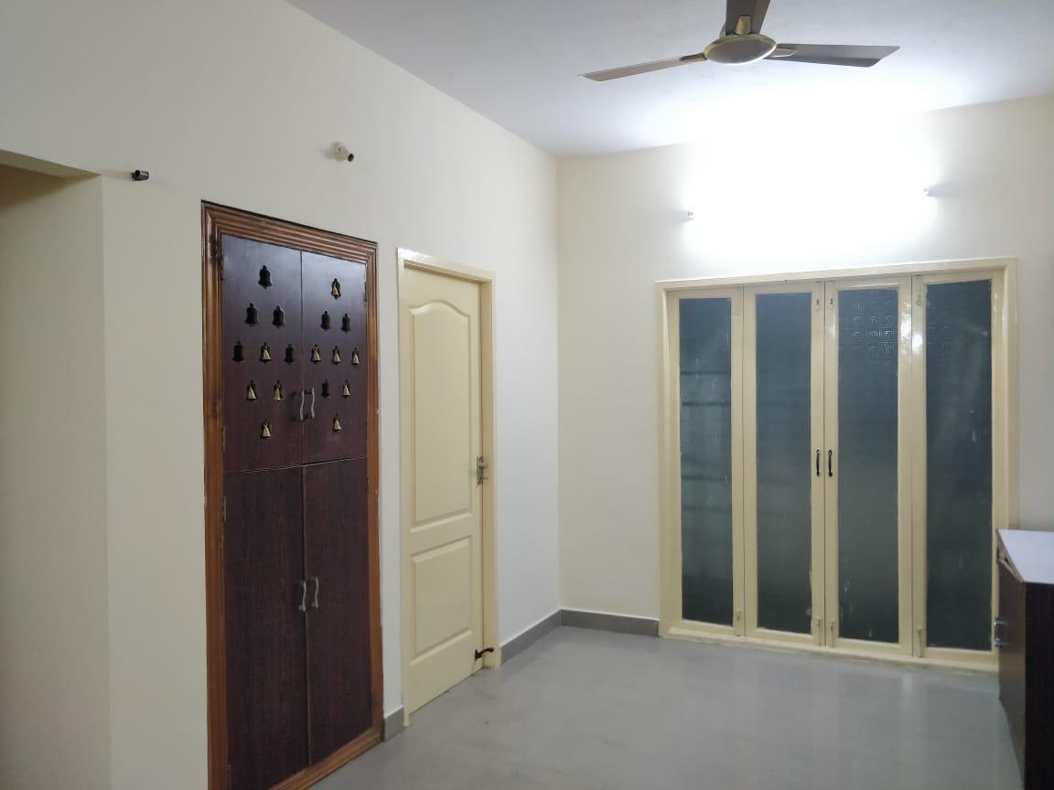 3 BHK Apartment for rent at Vadapalani